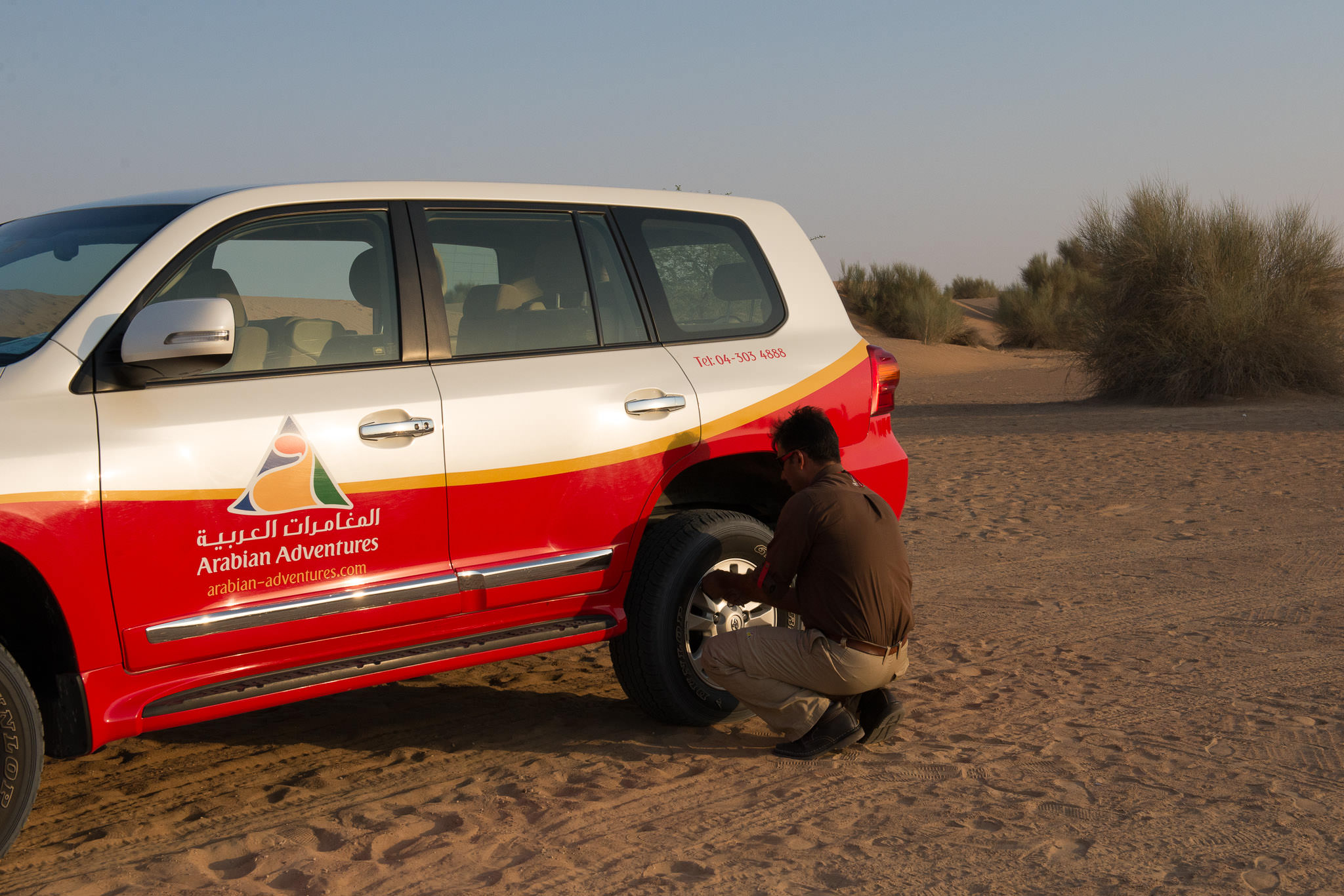 Releasing air from tyres before dune bashing