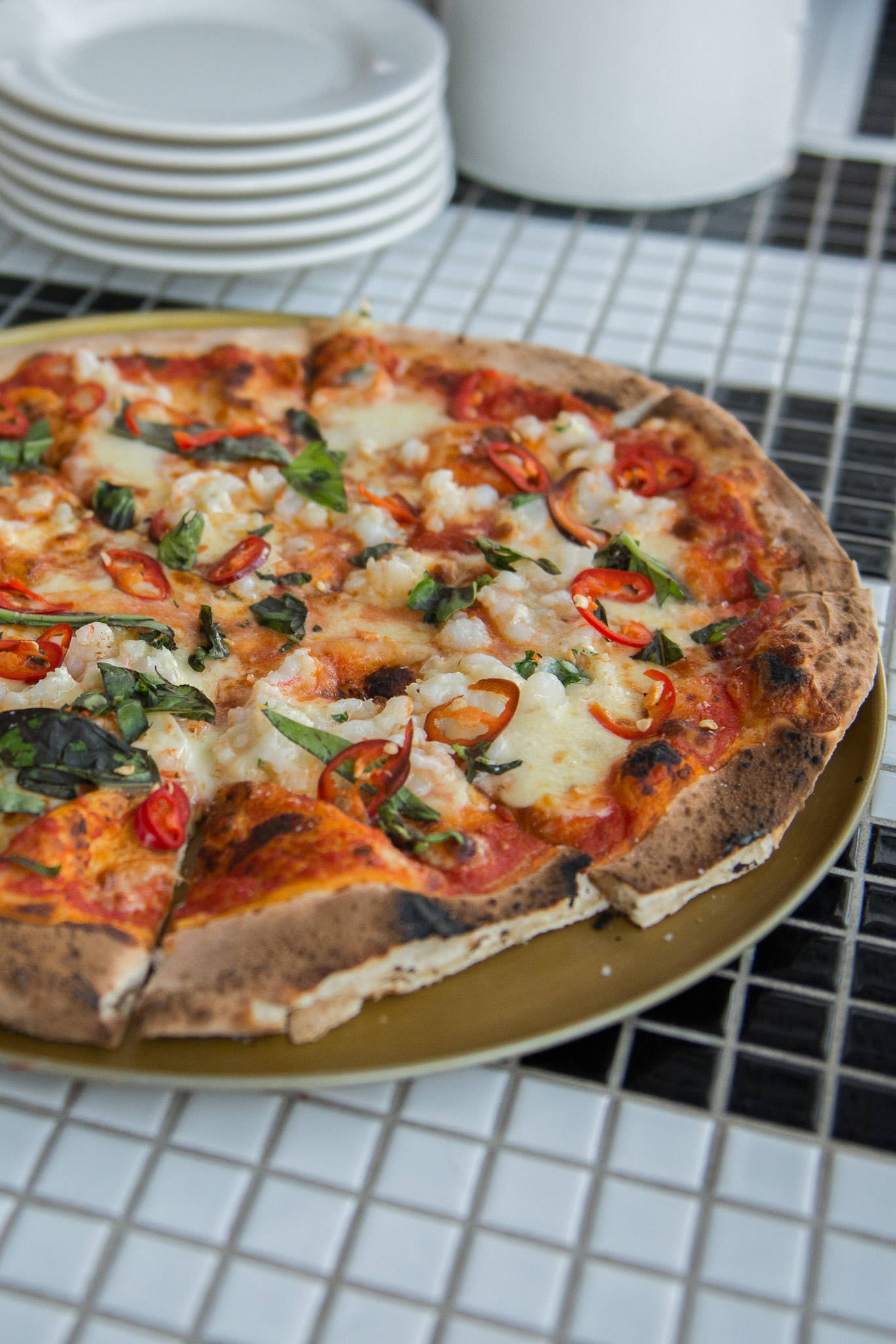 Pizza - Carnarvon prawns, chilli, Borello bocconcini and basil