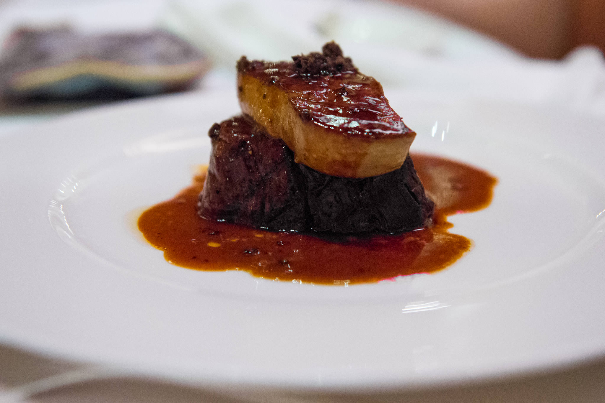 Mulwara beef rossini, foie gras nad sauce perigourdine