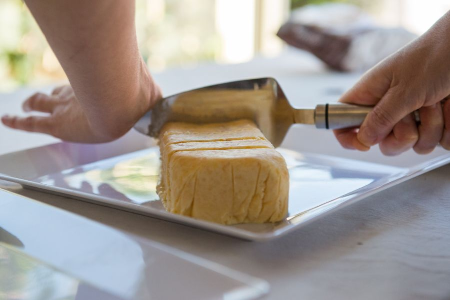 Slicing apricot ice cream