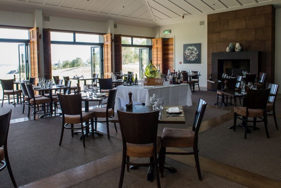Cable Bay dining room