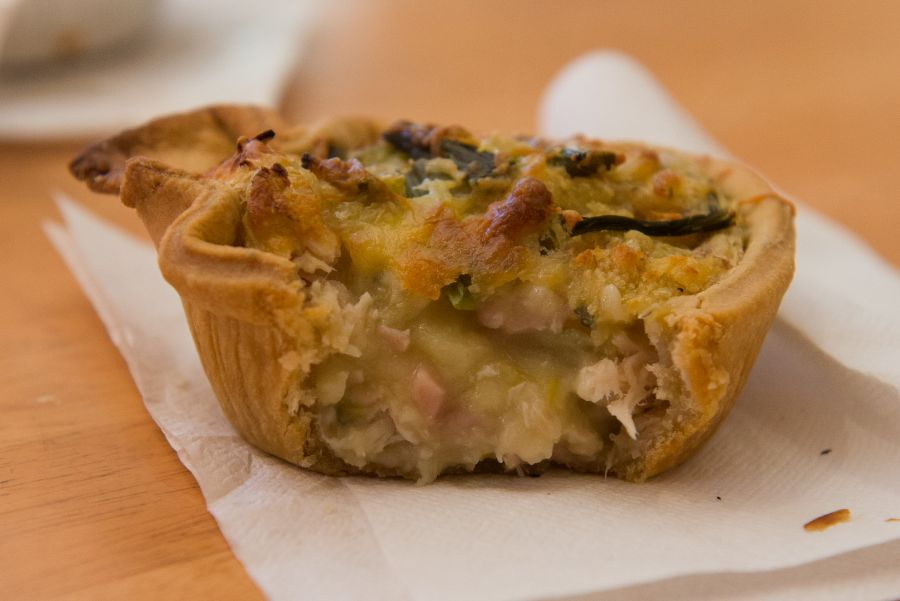 Chicken and asparagus pie - innards