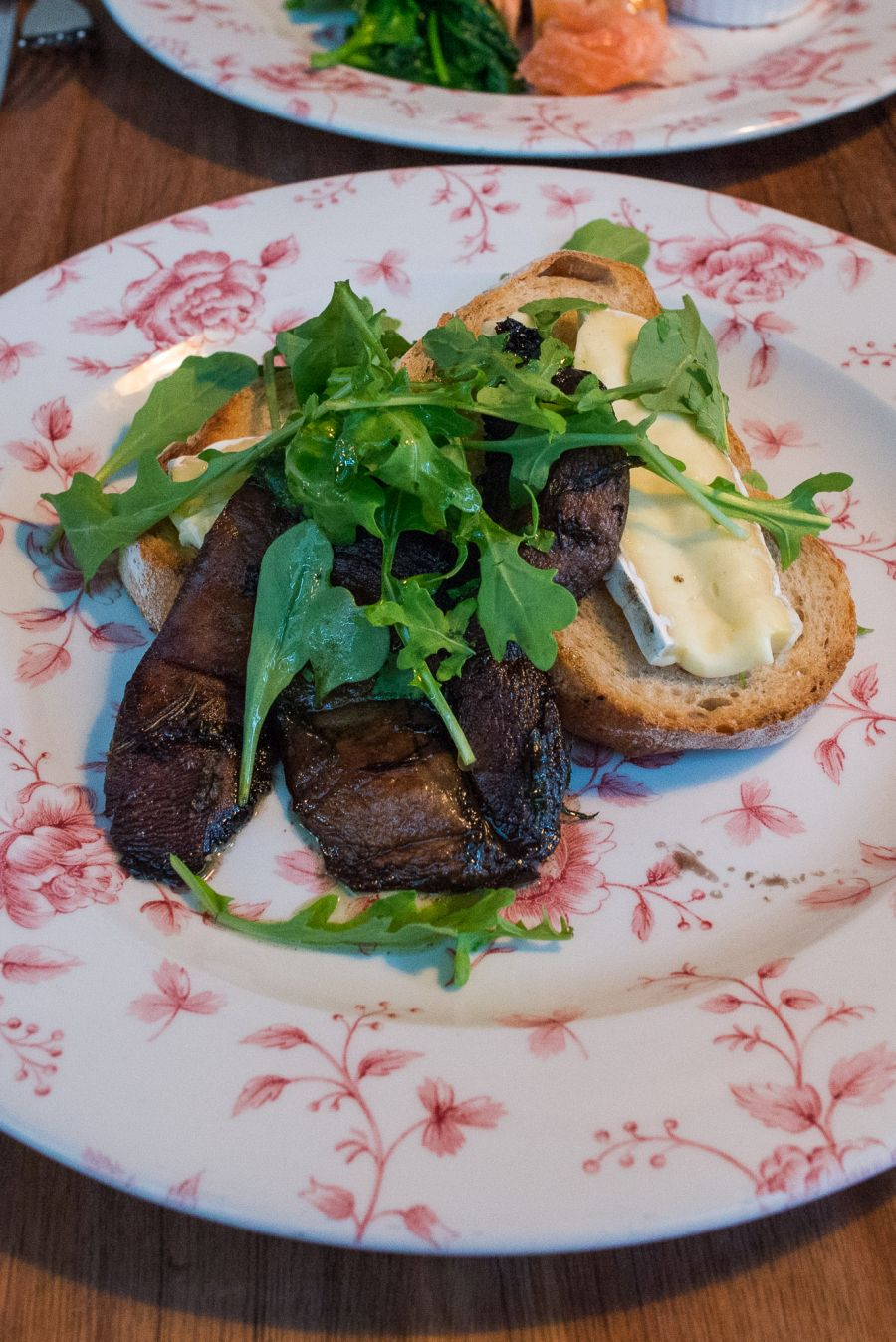Roasted field mushroom, Tasmanian Brie, chive oil on toast (AU$17)