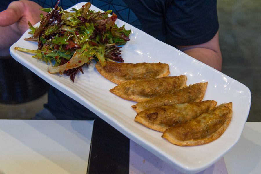 Gun-mandu (fried dumpling, AU$8.50, 5pcs)