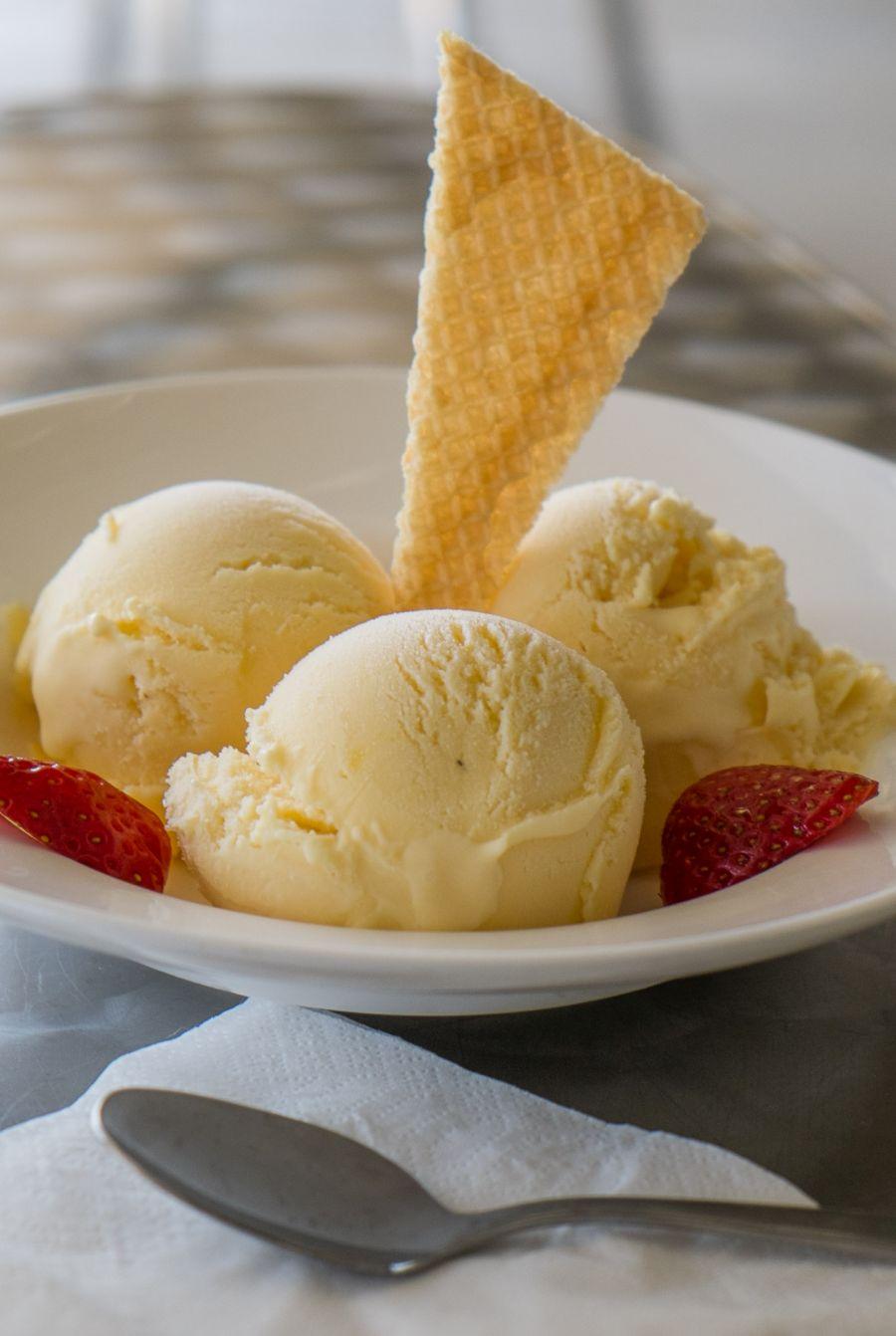 Butterscotch cream and mango ice creams