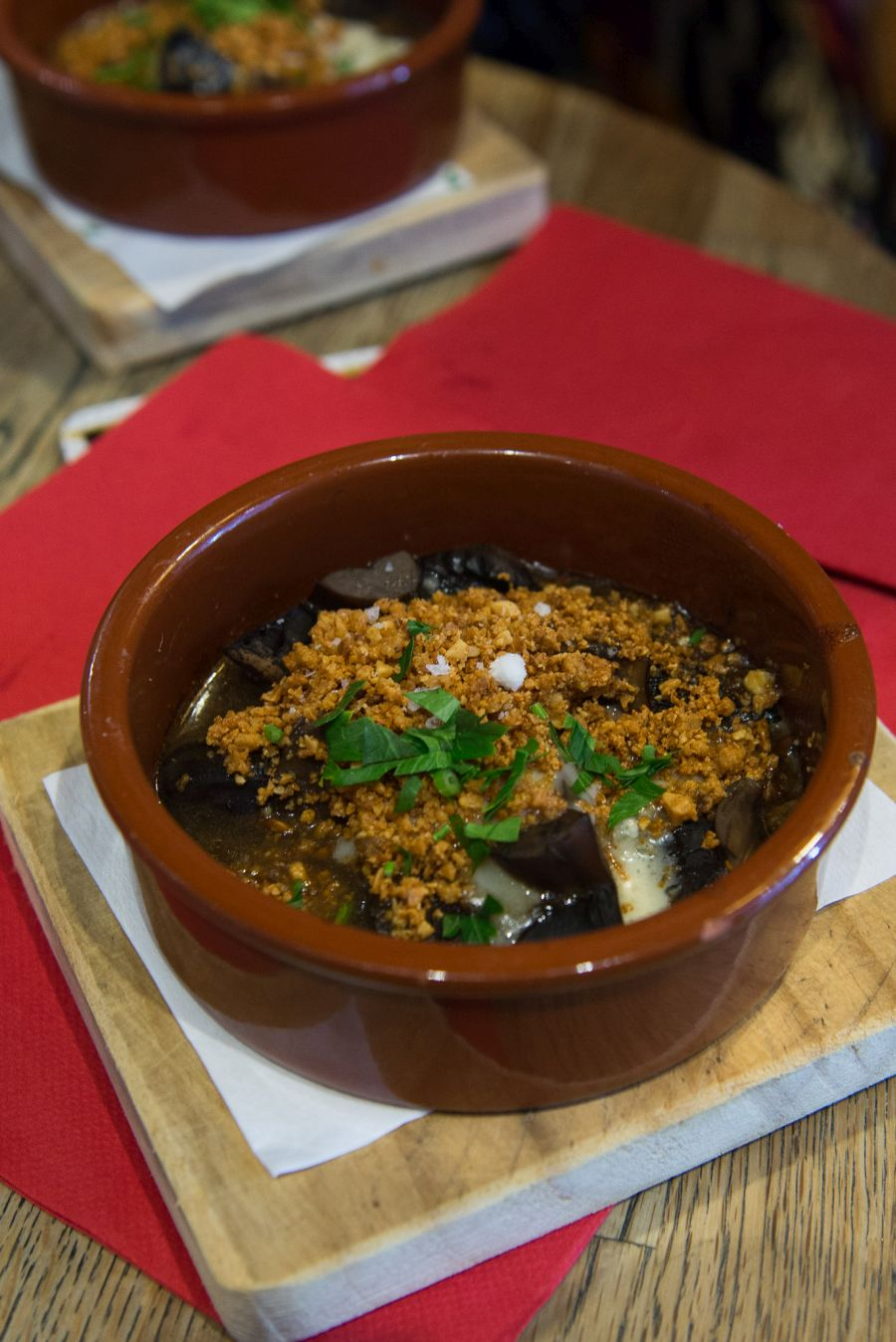 Champinones con queso azul - mushrooms, blue cheese, PX vinegar, almond crumbs (AU$9)