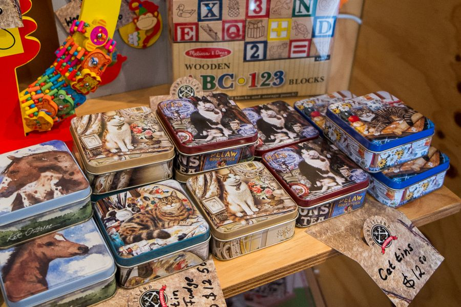 Fudge is also available in various tins, such as these cat tins