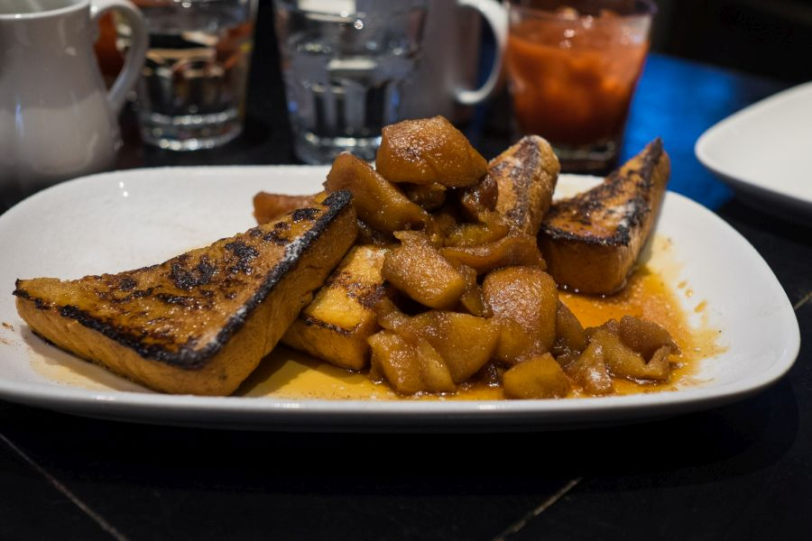 French toast with cinnamon apples