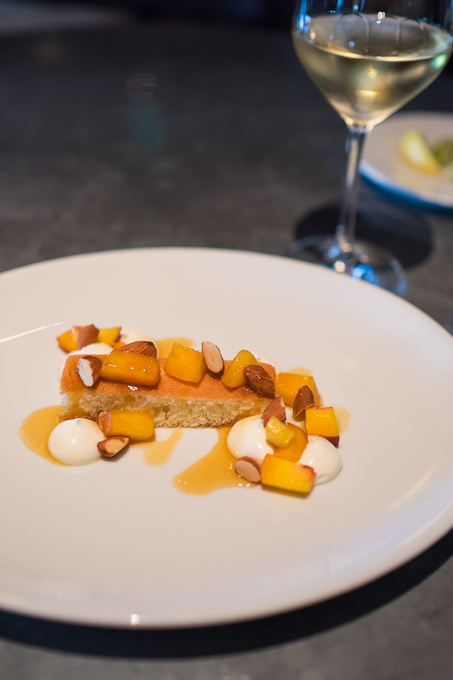 Almond cake, peach caramel and mascarpone - with Pinot Gris 2012