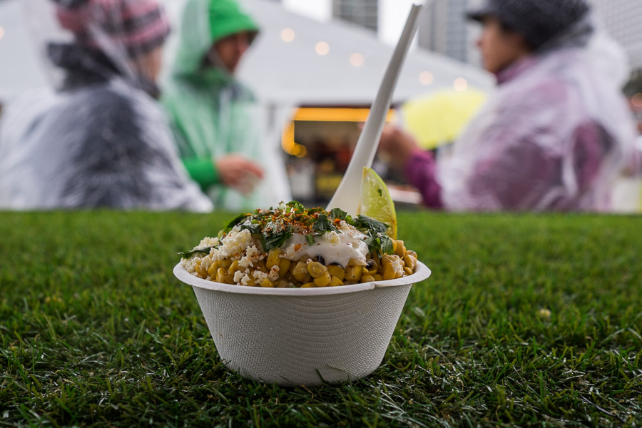 el Publico: Street Corn - charred and braised, served with crema, chilli, lime and fresh cheese (6 crowns).