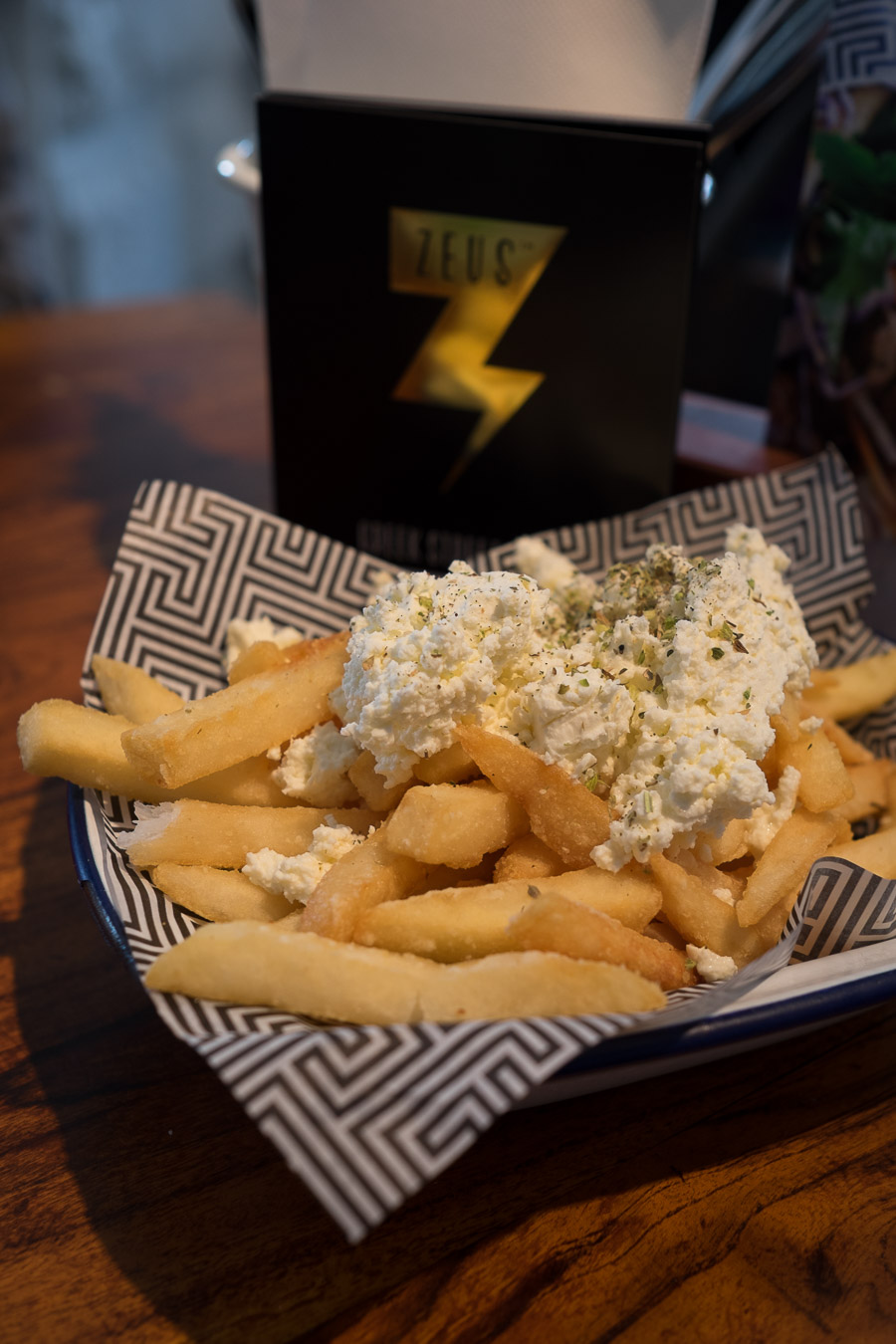 Chips with feta and oregano