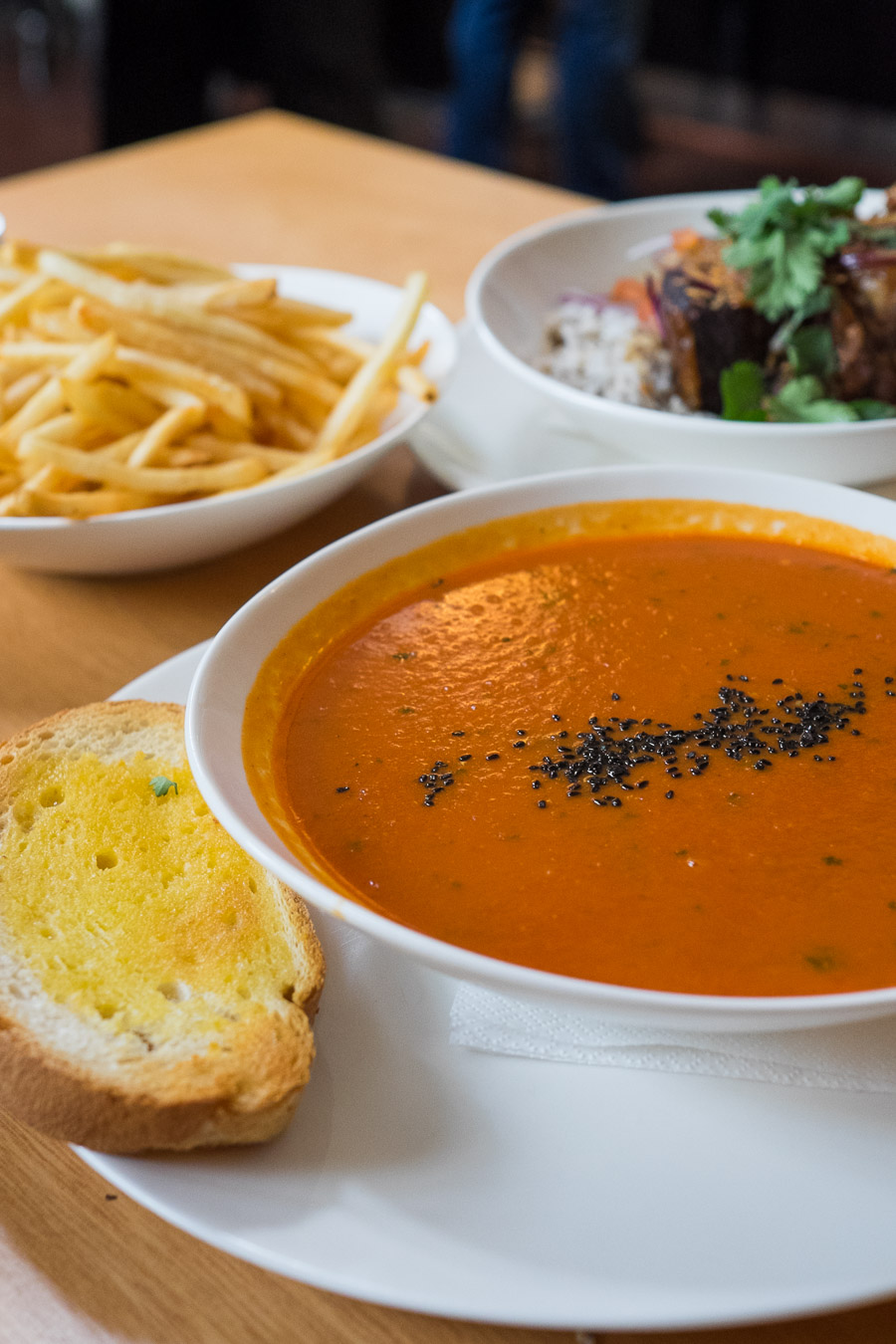Soup of the day (tomato, garlic and basil) with toasted bread