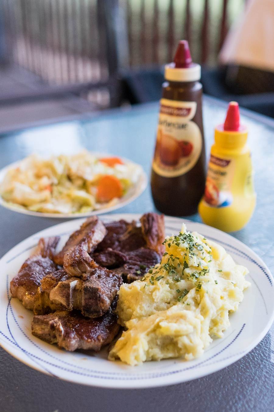 Lamb chops and mashed potatoes