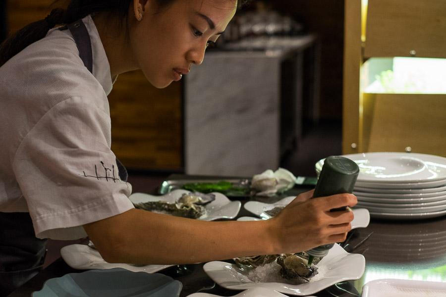 Oyster omelette plating
